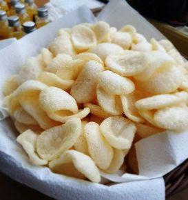 Krupuk Garnelen Chips im Korb